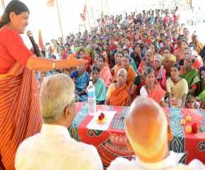 Sudha Addressing Tumkur Meeting