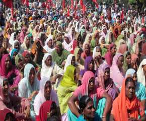 A Section of the Crowd at Patiala