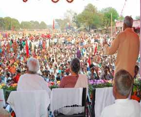 Prakash Karat Addressing the Madhubani Meeting