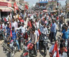 Motorcycle Procession to the Sikar Meeting Venue