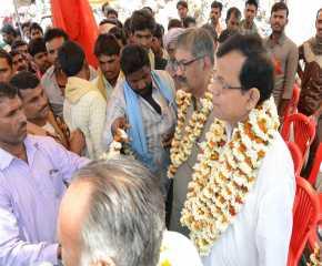 Jatha Leaders being welcomed at Guna