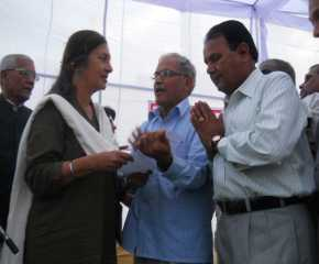 LIC Employees Giving Memo to Brinda At Hissar