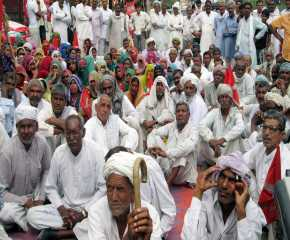 People at the Jhunjunu Meeting