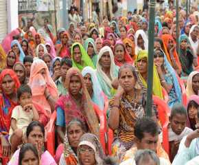 Women at the Gohad meeting
