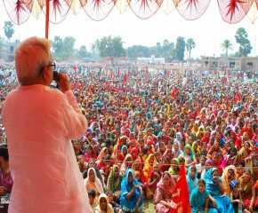 Biman Basu Addressing the Meeting at Bhibhutipur