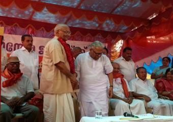 VS & SRP as the Jatha Enters Kerala