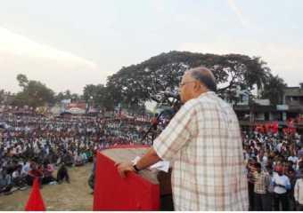 Com. Rabin Deb addressing a meeting at Shyampur, Uluberia.