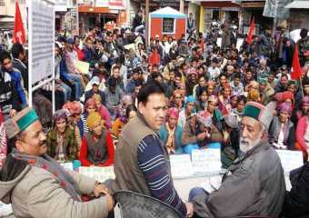 Com Kushal Bhardwaj campaigning in Mandi constituency along with other state leaders