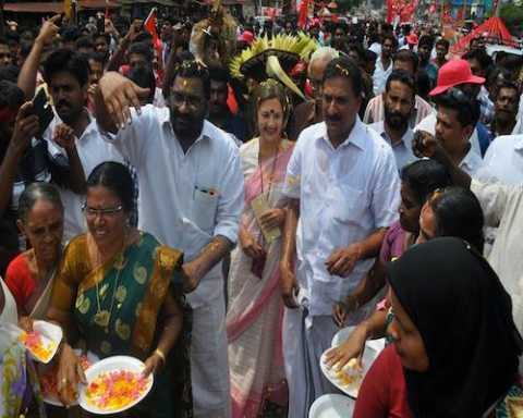 Com Brinda Karat campaigning for CPIM candidate P.K.Biju in Alathur constituency