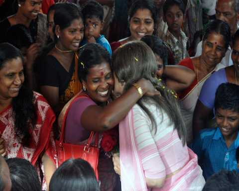 Com Brinda Karat meeting women during campaign in support of Com A.Vijayaraghavan
