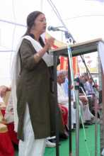 Brinda Karat Addressing the Meeting at Jhunjunu