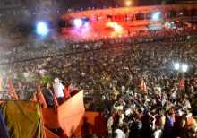 Com. Buddhadeb Bhattacharjee addressing a huge rally in Srirampur.