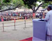 Com. Manik Sarkar addressing mass meeting at Jangipur PC of Murshidabad