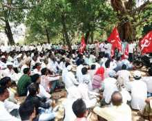 CPI(M) candidate Ladak Kharpade from Palghar constituency (Maharashtra) and other leaders taking out procession to file his nomination