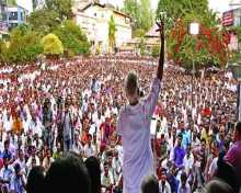 Com V.S.Achuthanandan campaigning for LDF backed candidate Innocent from Chalakkudi constituency in Kerala