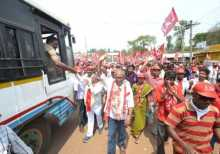 Com. Raghuvulu campaigining in Araku for Com. Midiam Baburao