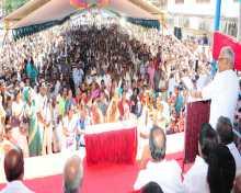 Com V. S. Achuthanandan addressing public meeting at Anchal, Kollam